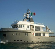 super-trawlers-Ocean-King-88-2